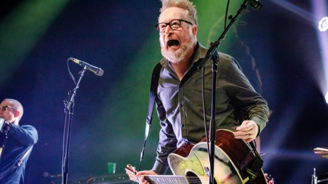 Flogging Molly performs live in St. Louis (2019) 156282 156282