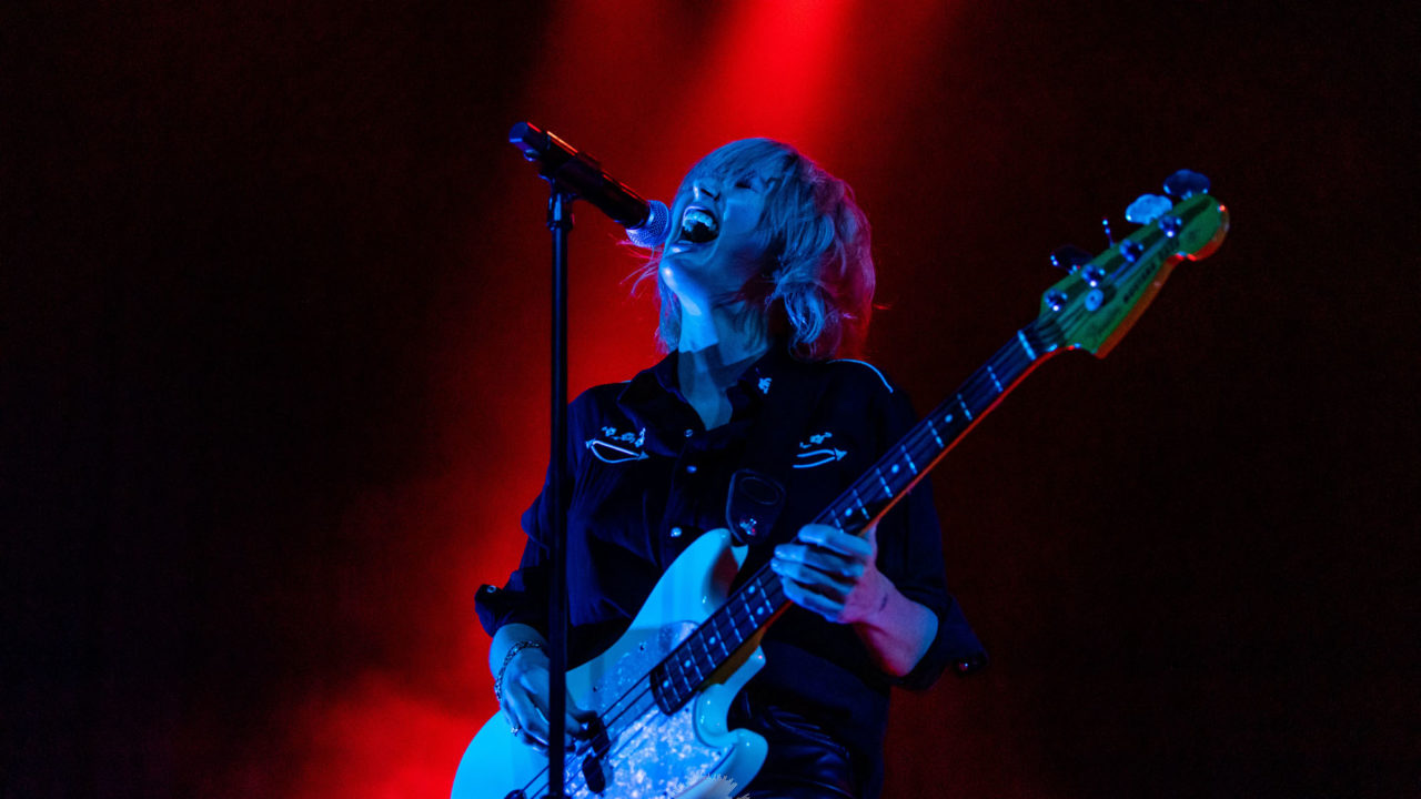 Phantogram plays a Point HoHo Show in St. Louis (2019) 165398